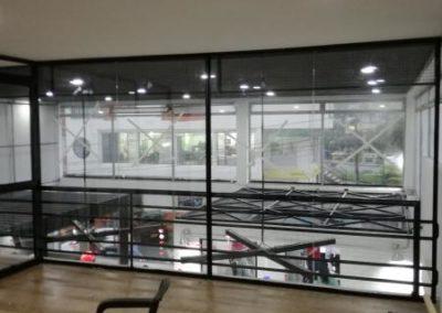 Cerramiento oficina en vidrio