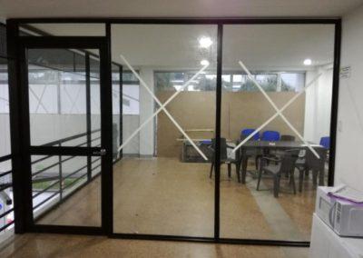 Cerramiento oficina vidrio