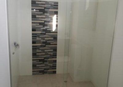 División de baño en vidrio templado