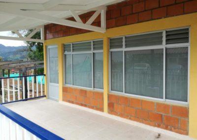 Puerta y ventanas vidrio opalizado