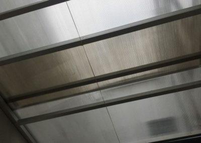 Techo corredizo en aluminio con lámina de policarbonato